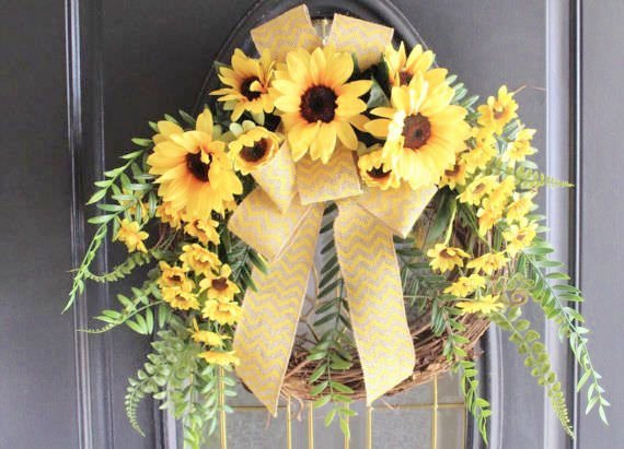 bright yellow sunflower wreath
