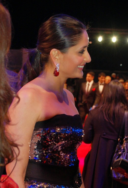 БЕБО - Карина Капур / Kareena Kapoor - Страница 16 80917643be5e0490db3e4d42130bc986634e9cd3eda589d369a1ccef55fb88c436df3a36